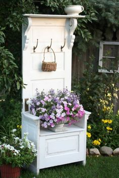 Trendy Old Door Projects Outdoors Recycled Windows Ideas Old Door Projects, Furniture Projects, Diy Furniture, Country Furniture, Furniture Outlet, Discount Furniture, Antique Furniture, Diy Projects, Refurbished Furniture