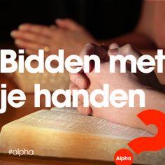 Handen kunnen een heel handig hulpmiddel zijn bij het bidden. Op welke manier bid jij?  Lees over dit praktische voorbeeld in de nieuwe blog van Freek: http://www.alpha-cursus.nl/blog/handig-het-nieuwe-jaar-in