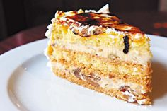 La historia de la pastelería argentina, en 10 tortas - Clarín Sweet Desserts, International Recipes, Original Recipe, Restaurant Design, Vanilla Cake, Fondant, Sweet Treats, Bakery, Cheesecake