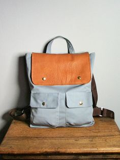 Backpack in Gray Canvas and Brown Leather