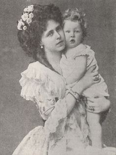 Queen Marie of Romania and her eldest child, Carol - Marie's father was Queen Victoria's son Prince Alfred Mary I, Queen Mary, King Queen, Princess Victoria, Queen Victoria, Michael I Of Romania, Old Photos, Vintage Photos, Maud Of Wales