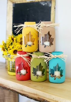 tips for how to make your own fall mason jar craft - love this cute diy decor idea! - - Sugar Bee Crafts fall crafts Mason Jar DIY Craft Ideas & Decor Projects for the Fall Fall Mason Jars, Mason Jar Diy, Pots Mason, Mason Jar Projects, Mason Jar Crafts, Crafts With Jars, Bee Crafts, Diy And Crafts, Easy Fall Crafts