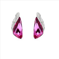 $19,5 Summer blaze Swarovski crystal earrings - Yohanna Jewelry Wholesale.  BEST PRICE: Directly in the jewelry factory. VAT-free shopping: Available, partners based in the European Union, only applies to EU tax identification number (UID). Exclusive design SWAROVSKI crystals and AAA Zircon crystal jewelry and men's stainless steel jewelry and high-quality stainless steel jewelry for couples sell in bulk to resellers! Please contact us.