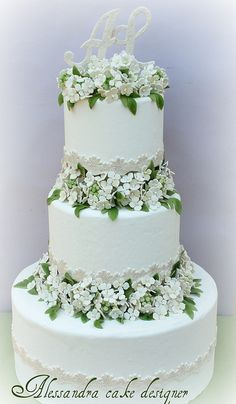 Wedding Cake hydrangea by Alessandra Cake Designer,