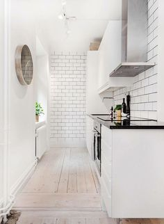 Stylish And Functional Super Narrow Kitchen Design Ideas Small Galley Kitchens, Small Space Kitchen, Narrow Kitchen, New Kitchen, Home Kitchens, Small Spaces, Kitchen Decor, Kitchen Ideas, Small Kitchen Inspiration