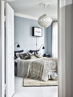 dreamy blue bedroom
