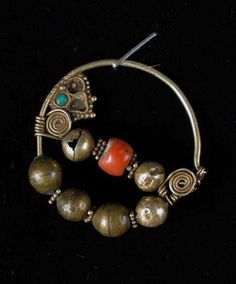 Unofficial site Museum of applied art of Uzbekistan - Collections - Jewelry articles Nath Nose Ring, Nose Rings, Ear Rings, Tribal Jewelry, Indian Jewelry, Antique Jewelry, Vintage Jewelry, Nose Jewelry, Coral Turquoise