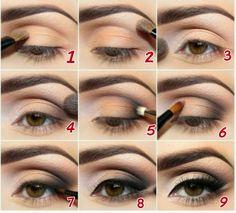 Confira lindas sugestões em maquiagem para Ano Novo 2015! Veja ótimos passo a passo de maquiagem para Ano Novo 2015 simples e coloridas para arrasar.