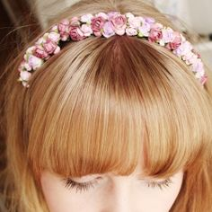 Easy way to make a lovely floral alice band in less than five minutes.