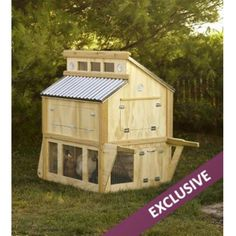 Portable Chicken Coop If you live where you have no restrictions to own chickens, here is a nice coop. Portable Chicken Coop from BHG For the rabbits! Portable Chicken Coop, Backyard Chicken Coops, Chicken Coop Plans, Building A Chicken Coop, Diy Chicken Coop, Chickens Backyard, Backyard Poultry, Chicken Feeders, Backyard Ideas