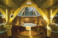 Master Bedroom - Hot Tub