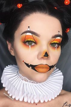 Halloween-Make-up-Ideen 33 Halloween-Make-up-Looks - Luise.site Halloween-Make-up-Ideen 33 Halloween-Make-up-Looks - Luise.site,Kostüme Halloween-Make-up-Ideen 33 Halloween-Make-up-Looks costume makeup cutcrease makeup ideas inspiration eye makeup Creepy Halloween Makeup, Halloween Makeup Looks, Halloween Makeup Clown, Cute Clown Makeup, Halloween Pumpkin Makeup, Happy Halloween, Creepy Clown Makeup, Beautiful Halloween Makeup, Halloween 2017