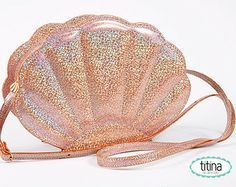 mermaid sea shell bag in iridescent glitter sand color only one in lavender Unique Purses, Cute Purses, Everyday Eyeliner, Makeup Storage Drawers, Makeup Collection Storage, Mermaid Glitter, Mermaid Outfit, Sand Bag, Estilo Fashion