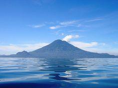 Guatemala: un viaje al Mundo Maya  Guatemala: a trip to the Mayan World