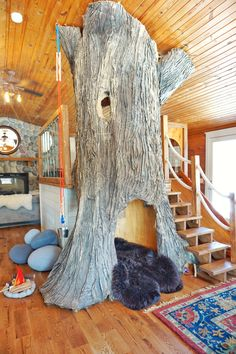 Indoor Tree House inside a log cabin. So much fun for the kids! Indoor Tree House inside a log cabin Indoor Tree House, Indoor Trees, Indoor Ivy, Treehouse Living, Treehouse Kids, Tree House Interior, Tree House Decor, Trees For Kids, Tree House Designs