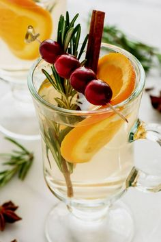 Try warm mulled white wine, spiked with brandy, and hot buttered rum as alternative to mulled red wine on cold winter days Mulled White Wine, Red Wine, Rum Recipes, Hot Buttered Rum, Winter Day, Fresh Herbs, Cocktails, Ethnic Recipes, Food