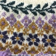 This pattern can also be found in issue 2 of Laine Magazine. Fair Isle Knitting, Lace Knitting, Knitting Stitches, Knitting Designs, Knitting Patterns Free, Knitting Projects, Knit Crochet, Fair Isle Pattern, Pattern Library