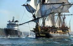 L'Hermione, réplique du trois-mâts de La Fayette, quitte le port de Brest, dans l'ouest de la France, le 17 août 2015 afp.com - FRED TANNEAU