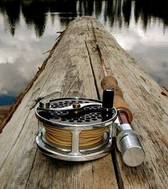http://troutunderground.com/2008/09/fly-fishing-an-alpine-lake-older-bros-dogs-and-a-bamboo-fly-rod/