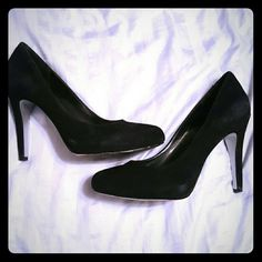 NEW LISTING Jessica Simpson Pumps Black Suede pumps. Great condition. 4 in heels. Jessica Simpson Shoes Heels