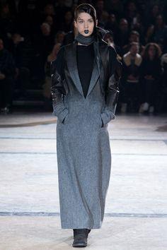 http://www.vogue.com/fashion-shows/fall-2016-ready-to-wear/yohji-yamamoto/slideshow/collection