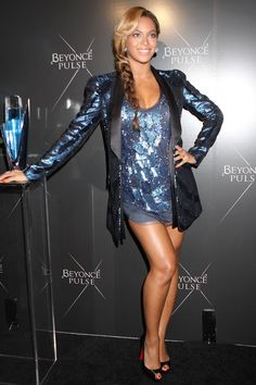 beyonce | Beyonce blue sparkly dress blue tuxedo dress braid blue ivy carter