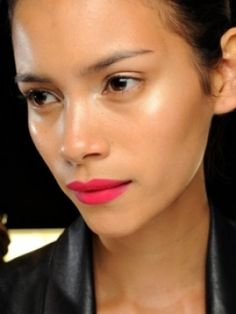 Hot pink lips with gorgeous glowy skin Valentine's Day Beauty Beauty Make-up, Fashion And Beauty Tips, Beauty Hacks, Hair Beauty, Natural Beauty, Beauty Solutions, Natural Glow, Beauty Photos, Natural Skin