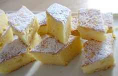 Encore un gâteau au mascarpone? Oui madame (ou monsieur hein), mais au citron cette fois-ci. Ce gâteau moelleux au citron et au mascarpone est parfait pour un goûter improvisé. Il est moelleux et très parfumé. Et en plus il se cuisine rapidement, un gâteau spécial flemme, le top.