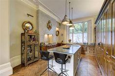 Image 4 of 19: Kitchen, W11