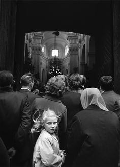 Photo: Marian Schmidt, courtesy of the artist Matt Hardy, Willy Ronis, Reportage Photography, Martin Parr, Inner World, Street Photographers, Perfect World, Schmidt, Black And White Photography