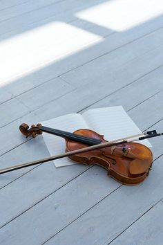 Violin+Music+Quiet Place=Peacefullness that you've never imagined! <3