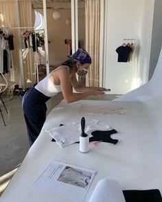 Fashion Jobs, Student Fashion, Nyc Fashion, School Fashion, Fashion Studio, Fashion Models, College Fashion, Photographie Indie, Future Jobs