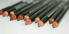 Eye-Lip-Brow Pencil.. extra large! Μολύβια με ελαία και βιταμίνες. Γράφουν πολύ εύκολα πάνω στα χείλη, είναι πολύ σταθερά, δεν ξεχειλίζει το περίγραμμα και το κραγιόν! Λόγω των βιταμινών δεν αφυδατώνουν καθόλου τα χείλια. Ορισμένα μολύβια μπορούν να χρησιμοποιηθούν και για τα μάτια! Tip : Εάν θέλεις μένα πολύ σταθερό και ματ αποτέλεσμα χρησιμοποιησέτο και ώς κραγιόν !!!! Art Supplies, Beauty, Beleza