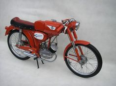 Scooters and Supplies Moped Motorcycle, 50cc Moped, Vintage Bikes, Vintage Motorcycles, Vintage Cars, Mv Agusta, Old Bikes, Classic Bikes, Custom Bikes