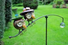 Gorgeous balancing owls made from heavy hand painted metal with a glass ball for balance. Stands on a metal pole. £28.50 (only 5 left)