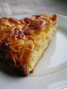 Bienenstich - One of the greatest cakes in the history of cakes. It consists of perfectly soft dough with a cream/pudding mixture in the middle and is topped with caramel and almonds.