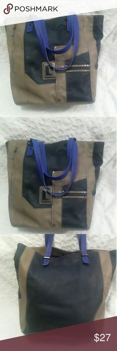 """Authentic Rachel Roy Tote Bag This bag is an ideal outfit finisher, Perfect for evenings out or easy daytime style. Pre loved and used only few times and is in splendid condition Measures approx 14.5""""× 17 Rachel Roy Bags"""