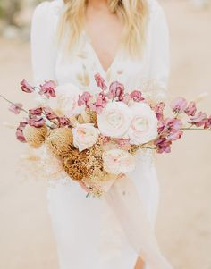 rose and moss desert bougainvillea bouquet Daisy Wedding Flowers, Rustic Wedding Flowers, Bridesmaid Flowers, Floral Wedding, Wedding Bouquets, White Flowers, Gold Wedding, Wedding Shoes, Bloom