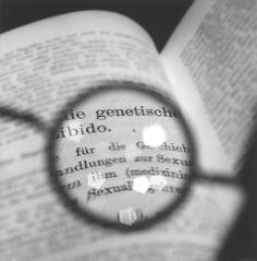 Tomoko Yoneda : Freud's Glasses - Viewing a text by Jung II. 2003. フロイトの眼鏡 - ユングのテキストを見るII