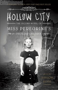 Hollow City (Miss Peregrine's Peculiar Children #2) - Ransom Riggs