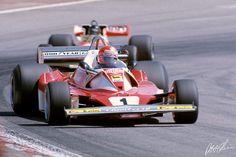 Niki Lauda, Ferrari, #1, (finished 2nd), James Hunt, McLaren-Ford, #11, (finished 1st),  Spanish GP, Jarama, 1976.