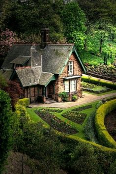 beautiful english gardens   Beautiful English garden