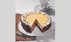 Schokosahne-Windbeutel-Torte Rezept: Schokoladige Torte mit Windbeuteln zu besonderen Anlässen - Eins von 7.000 leckeren, gelingsicheren Rezepten von Dr. Oetker!