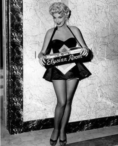 """Barbara Nichols from """"The Sweet Smell of Success"""". Pin Up Vintage, Vintage Beauty, Vintage Photos, Vintage Fashion, Vintage Dance, Vintage Wear, Poker, Las Vegas, 1980s Pop Culture"""