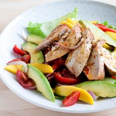 This is one of my go-to meals for a quick, simple and tasty weekend lunch. Smoked chicken, mango and avocado taste sublime together, with fresh crunchy vegetables and a sweet chilli citrus dressing. You can either buy smoked chicken or … Continued Smoked Chicken Salad, Chicken Salad Recipes, Clean Eating, Healthy Eating, Healthy Food, Healthy Lunches, Healthy Treats, Avocado Health Benefits, Cooking Recipes