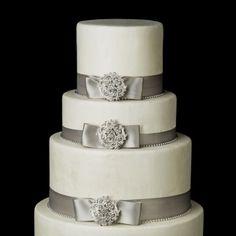 Decorative Vintage Crystal Brooch - Weddingmountain.com