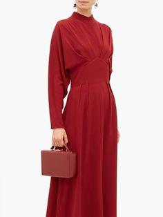 Emilia Wickstead Autumn pleated high-neck crepe midi dress Source by kuraimonica dress for work Women's Dresses, Fall Dresses, Evening Dresses, Casual Dresses, Fashion Dresses, Dresses For Work, Formal Dresses, Club Dresses, Party Dresses