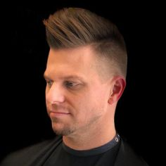 13 Cleanest High Taper Fade Haircuts for Men in 2020 Comb Over Haircut, Taper Fade Haircut, Tapered Haircut, Popular Mens Hairstyles, All Hairstyles, Straight Hairstyles, High Taper Fade, High Skin Fade, Flat Top Fade