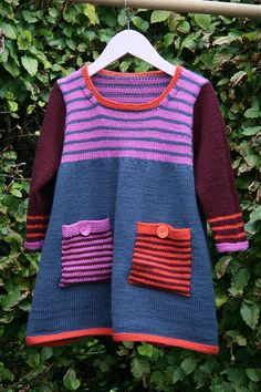 Ravelry: Striped Dress pattern by Debbie Bliss Kids Dress Patterns, Clothing Patterns, Knitting For Kids, Baby Knitting Patterns, Knit Baby Dress, Dresses Kids Girl, Girls Sweaters, Pulls, Striped Dress