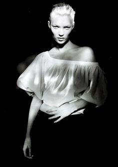 Kate Moss. Photo: Paolo Roversi.